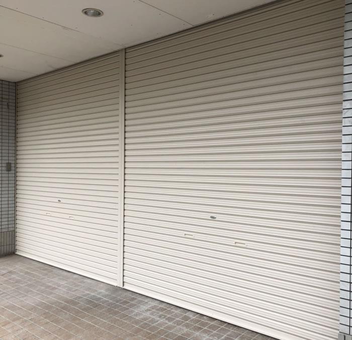 岸和田市で店舗シャッター取付工事工事後