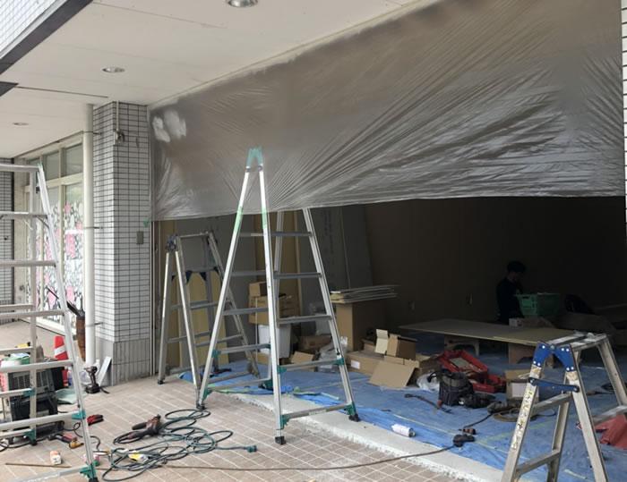 岸和田市で店舗シャッター取付工事工事前