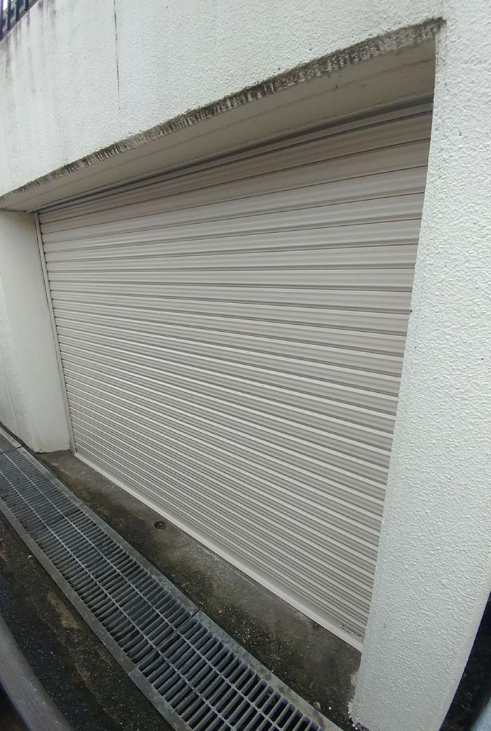 大阪市でガレージシャッター修理工事後