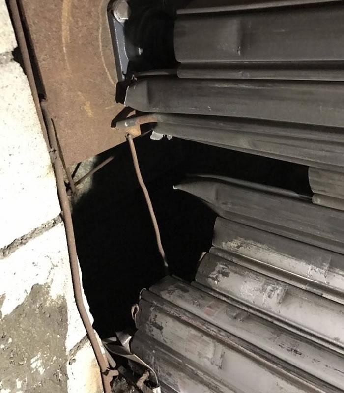 高石市で電動シャッターダブり直し修理工事前2