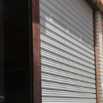 大東市で店舗シャッター全交換工事後